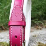 collier English bulldog cuir rose et coeur