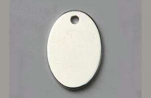 Médaille chien ovale argentée